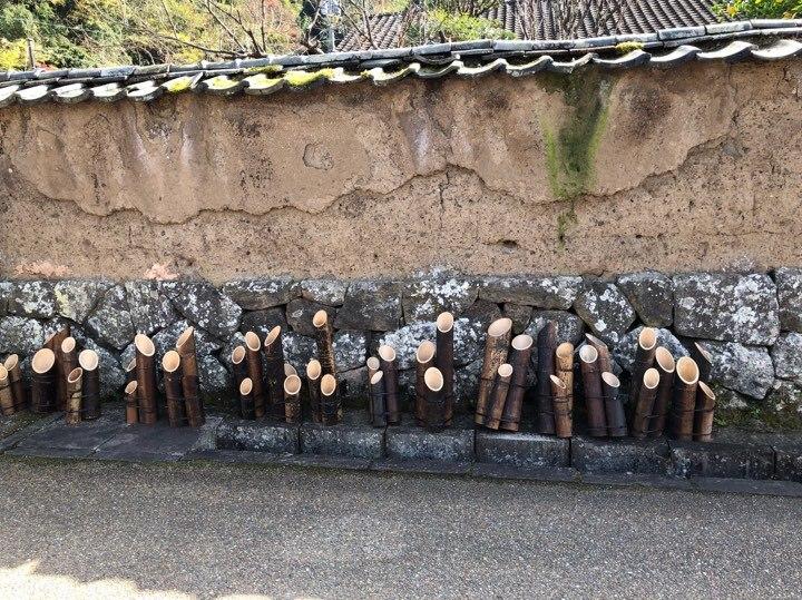 武家屋敷沿いの塀